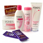 Ponds Milk - Ponds Beauty Hamper (Ponds Triple Vitamin Moisturizing Lotion, Ponds Flawless White Deep Whitening Facial Foam, Ponds White Beauty Anti-Spot SPF 15 PA++ Fairness Cream, Ponds Dream Flower Talc), 2 Dairy Milk and Card