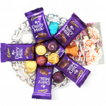Milky Chocolaty - 5 Dairy Milk (L), Hand Made Chocolates 100 gms and Card